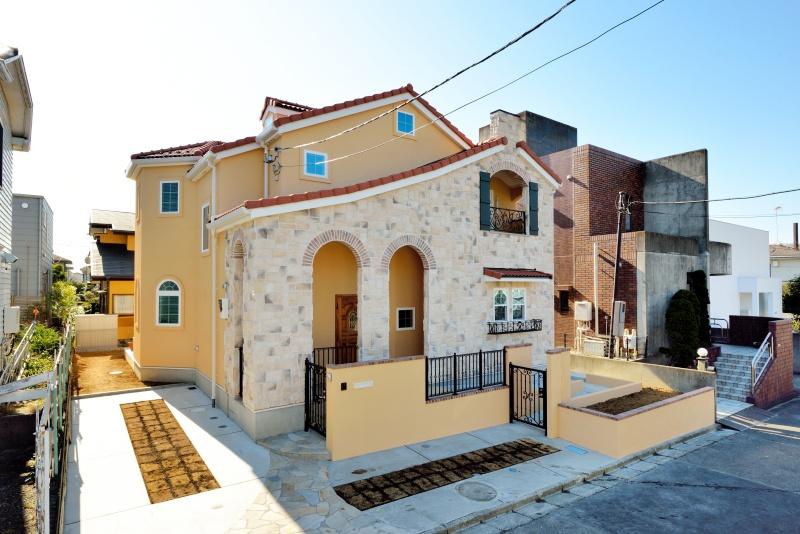 イタリアの片田舎をイメージした湘南の家