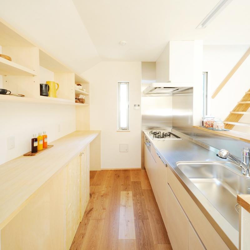 ステンレスとメイプル材のセミオーダーキッチン