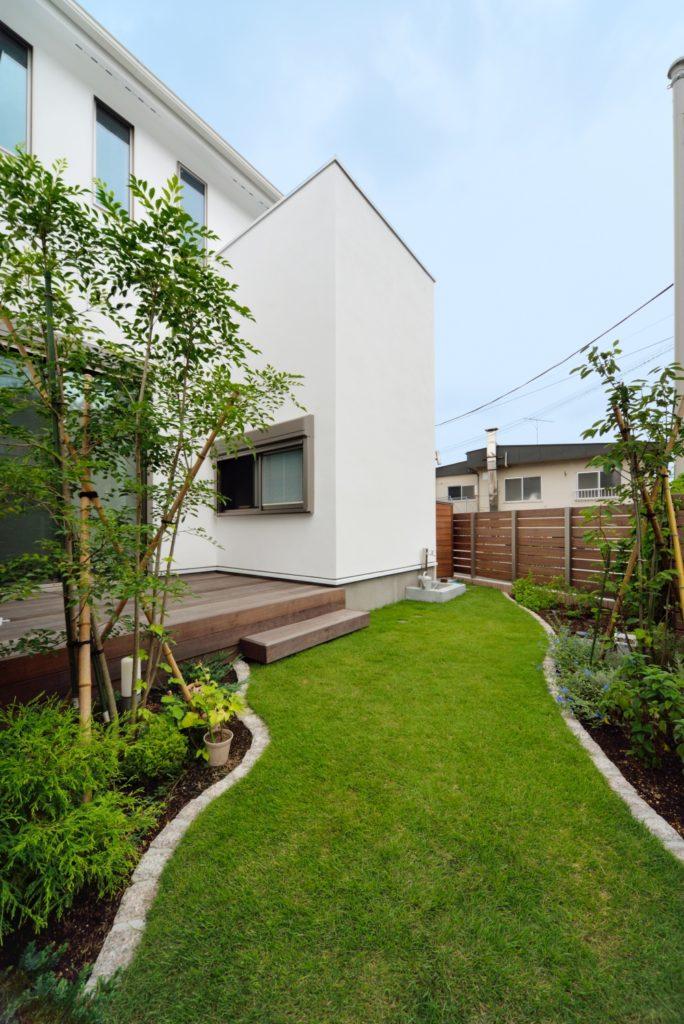 素材と空間美にあふれる家
