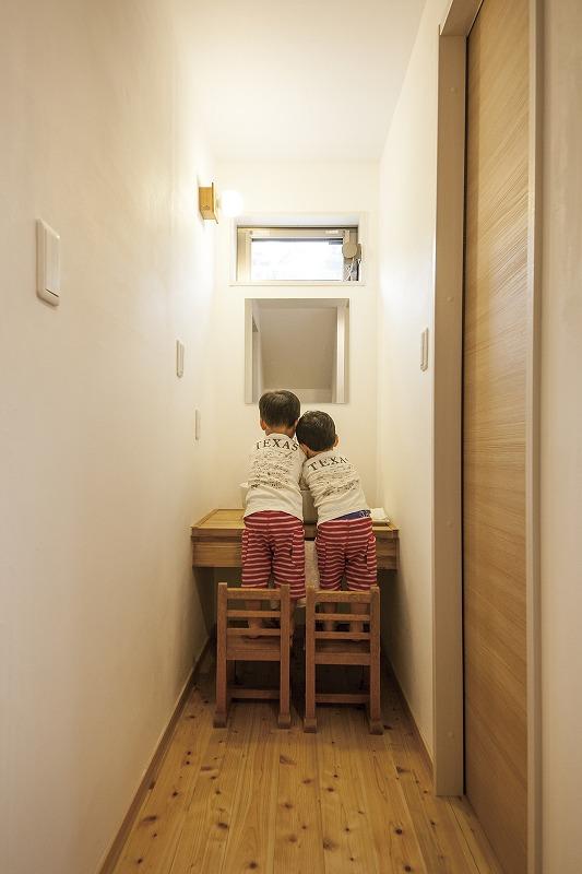 自然素材の子育てハウス